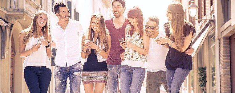 Group_of_Friends_With_Mobile_Phones.jpg